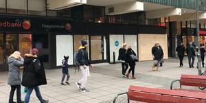 Mellan Swedbank och Dressman är det tomt men här öppnar Nordic Wellness i februari.