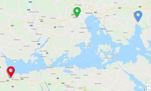 Lång omväg för Signe. Färden skulle gå de 24,4 kilometerna från Fridhemsskolan (grön punkt) till Stora Kvistberga (blå punkt). Istället körde chauffören fem mil i motsatt riktning till Kungsör (röd punkt). Och detta var bara början på en irrande färd. Färden skulle egentligen ha tagit cirka 25 minuter. Nu tog den många timmar. Kartan kommer från Google Maps.