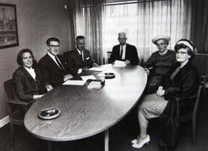 ST:s styrelse under Yngvar Alström: från vänster Margareta Alström, Nils Wide, Bror Berg, Yngvar Alström, Anna-Stina Wide och Ulla-Stina Westin. Bild: ST arkiv