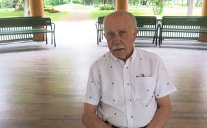 Ingvar Hansson är en av grundarna till föreningen Blåsmusik i Regementsparken. Han inledde själv sitt musicerande med Marinens musikkår – som 13-åring för 71 år sedan.
