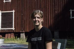 Martina Ljungdahl kan erbjuda sina kunder nybakat bröd ute i naturen.