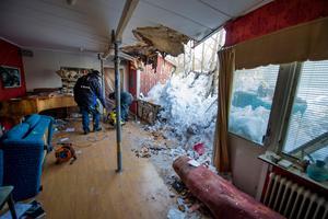 I mars var försäkringsbolaget på plats och satte upp en provisorisk vägg.