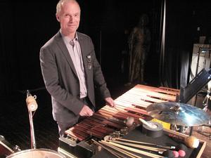 Per Mårtensson, född och uppväxt i Östersund, numera lektor i komposition vid Musikhögskolan i Stockholm.