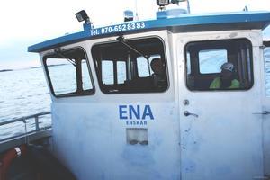 Arbetsbåten har plats för tolv passagerare och trafikerar hela Tjockö-området.