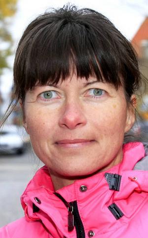 Eva Gissler…Bergström, 43 år, Kännåsen:   – Ja, jag är rädd för ebola. Det är läskigt. Det har kommit så nära. Det är så påtagligt.