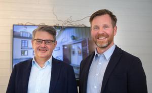 Stadsbyggnadsnämndens ordförande Håkan Buller (S) och Qetarägaren Joakim Nordlund.