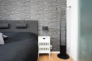 Ett av lägenhetens två sovrum.Bild: Svensk Fastighetsförmedling Örnsköldsvik