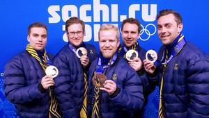 OS-brons 2014. Från vänster, Oskar Eriksson, Viktor Kjäll, Niklas Edin,Fredrik Lindberg, Sebastian Kraupp.