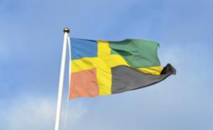 Bergslagsflaggan – en relativt nyskapad symbol som är tänkt att förena Bergslagen och även stärka regionens självförtroende.Bild: Arkiv