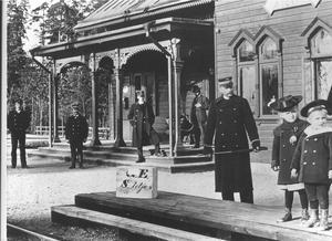 Det ursprungliga stationshuset i Nykvarn byggdes 1895, då järnvägen mellan Södertälje och Eskilstuna kom till. Bild: Turinge-Taxinge hembygdsförening