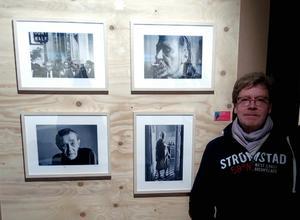Stefan Frankel och hans bilder. Bild: Janke Brandberg