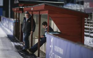 Nervös väntan på slutresultatet från Frillesås. För Falu BS del slutade dock dagen i besvikelse.