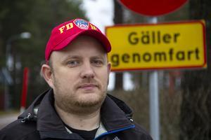 Daniel Sjöholm kör mycket bil på och omkring väg 50.