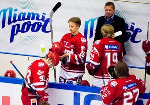 Säsongen 2015/2016 debuterade Elias Pettersson i Hockeyallsvenskan och Timrå IK:s A-lag, samma dag som han fyllde 17-år. Foto: Eric Westlund