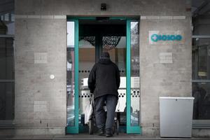 Nya besparingskrav förra året försämrade läget ytterligare så att Tiohundra AB beräknades få 15 miljoner i minskade inkomster, skriver Bengt Annebäck.