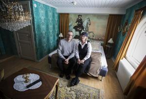 Det finns hela tiden något att göra i det anrika hotellet. Och både Erik och Erica Sjöström tillsammans med personalen har många tankar och ideér. Bild: Per Landfors/VK
