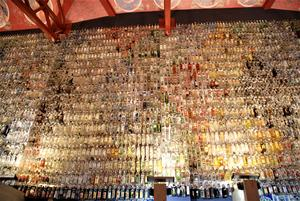 Vodkamuseum i Mandrogi. 2500 sorters vodka fanns i museet.