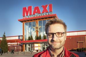 Vid årsskiftet tog Icahandlaren Johan Karlsson över Ica maxi i Hemlingby efter Christer Johansson.