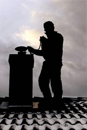 Sotare vid ett företag i länet riskerar att anmälas för hemfridsbrott, saknar tillräckligt med arbetskläder och dessutom utsätts de för onödiga risker, enligt en anmälan till Arbetsmiljöverket.Foto: jan andersson
