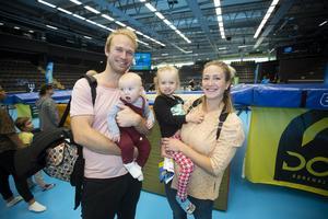 Till Gavlehovshallen på lördagen kom Moa Lennartsson med sambo Kristoffer Klang och barnen Tuva Lennartsson och Love Lennartsson.