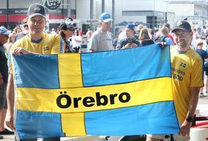 Robert Persson Östlunds och Anders Hööks flagga kommer vaja över från läktarplats när Marcus Ericsson gör debut i Indy 500 på söndag.