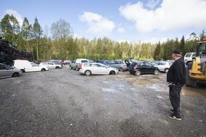 Förra året tog Välsta bildemontering emot drygt 800 bilar.