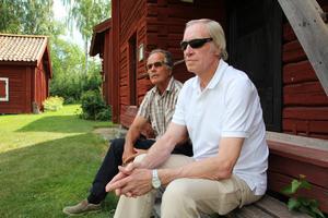 Drivande för dragspelsstämman Nya Färnboparaden 2018 är dragspelsklubbens  Rune Lundeqvist, 72 (till höger) och hembygdföreningens Per Forsgren, 69.