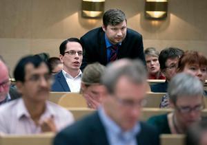 Sverigedemokraternas företrädare Johnny Skalin och Martin Klausen borde ta debatten med Socialdemokraterna i Sundsvall. Bild: Håkan Humla