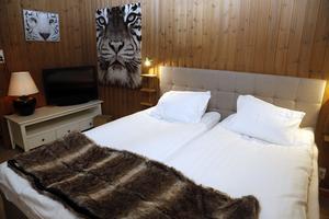 Nu byggs det om för hotellstandard i storstugorna i campingbyn. Foto: Jonny Dahlgren
