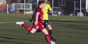 I andra halvlek lyckades ÖSK få in en 1-1 ställning i fredagens match. Men efter en frispark av Lotta Nurmilehto fick Västanfors återigen ledningen. Matchen avslutades dock oavgjord.