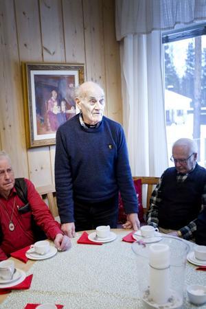 """""""Det var experimentverkstad i början"""", sa Enar Norén som sa några ord om när han var med och byggde upp tillverkningen av hårdmetallverktyg på Sandvik i mitten av 1940-talet."""