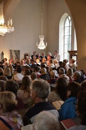 Vikers kyrka är helt nyrenoverad och återinvigdes på söndagen.