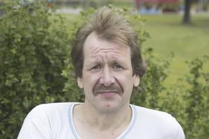 Jojje Bergkvist, 46 år, svetsare, Fagersta: – Köttfärslimpa, kokt potatis, lingonsylt, brunsås och en god sallad till.