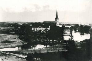 Vy över Västerås och Carlslunds herrgård vid Svartån från sent 1800-tal. Foto: Okänd/VLM