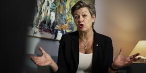 Arbetsmarknadsminister Ylva Johansson (S) tänker inte föreslå begränsningar i  arbetsgivarnas rätt till