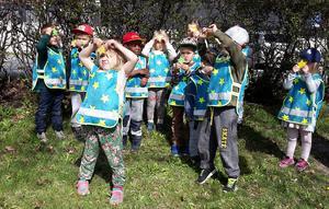 Alla barn tilldelades en vänskapsmedalj efter genomfört lopp.