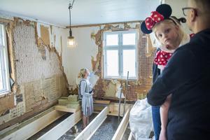 Familjen Westman renoverar sitt gamla hus från tidigt 1800-tal.
