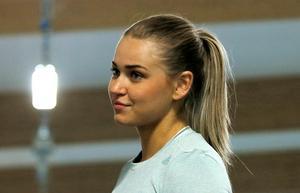 Fanny Runheim blev trea på 200 meter i Quality Hotel Games i Växjö på söndagen, hennes första löptävling på 2,5 år. Tiden räckte dessutom till ett nytt distriktsrekord och en fjärdeplats på den svenska årsbästalistan.