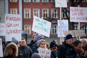 Demonstration mot nedskärningar i den personliga assistansen. Foto: Janerik Henriksson / TT