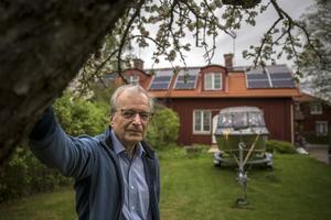 Hans Gunnar Jonsson har installerat en solcellanläggning på sitt tak i Borlänge.