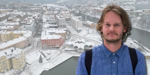 Simon Andén, arkitekt som efter sju år återvänt till barndomsstaden Södertälje och är positiv till planerna kring Maren.