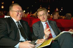 De stora förstörarna bakom detta är två statsministrar på 1990-talet: Göran Persson, S, och Carl Bildt, M, anser skribenten. Bilden togs 1993.