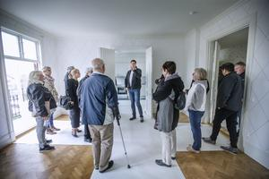 Stort intresse. Många av delagaterna vid Sveriges allmännyttas kongress passade på att gå på visningen av Öbos lägenheter på Kungsplan på Söder.