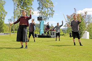 Norrdans uppförde i fjol en föreställning med anledning av Finlands firande av 100 år som stat. Bild: Ida Stiller/Arkiv
