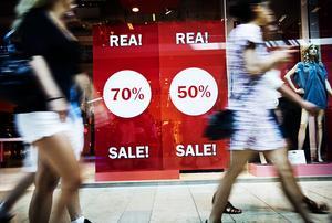 Konsumtionen bara ökar, vi handlar allt mer./FOTO: Annika af Klercker / SvD / TT