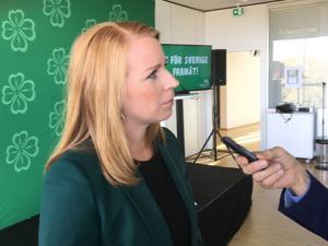 Centerpartiets partiledare Annie Lööf presenterade partiets förslag för en tryggare hälso- och förlossningsvård vid partistämman i Karlstad.