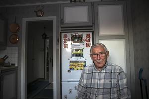 Börje Svedjesten bor mitt i Myrviken, inte långt från skolan där han jobbade som gymnastiklärare en gång.  Annars är han från Svedje vid fotbollsplanen. En släktgård sedan 1600-talet. Nu är det sonen Rickard som tagit över och rustat upp där.