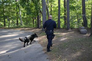 På lördagen letade polisen med båt och hund efter den försvunne mannen.