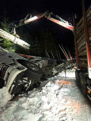 Denna syn möttes Putte och hans kollega av när de kom fram till olycksplatsen. Fem timmar tog bärgningen. Foto: Putte Svensson.