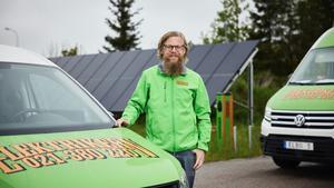 Jimmy Wilhelmsson och hans kollegor kommer i kontakt med Möller Bil regelbundet, oavsett om det gäller köp av ny bil, en begagnad bil, eller olika typer av reparationer, service och underhåll.